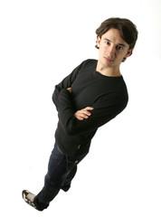 jeune homme brun aux cheveux bouclés 30