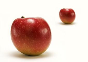 Zwei rote Äpfel