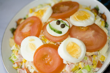 smiling salad with ham