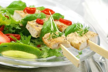 Grüner Salat mit Hühnerfleisch