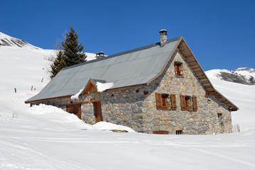 maison montagne neige chalet paysage