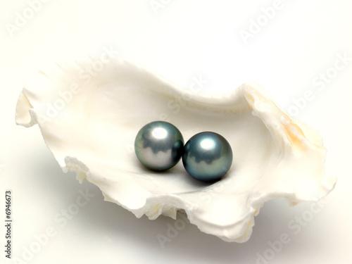 grey pearls - 6946673