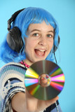 Adolescente avec CD laser poster