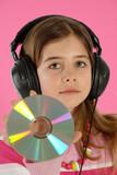 Enfant avec un disque laser poster