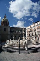 Berühmter Springbrunnen in Palermo