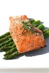 Salmon & Asparagas