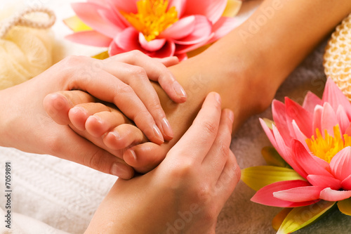 Feet massage - 7059891