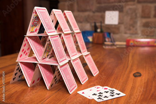house of cards - 7075454