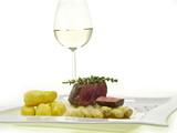 schönste gourmet verbindung weißwein, spargel, rinderfilet poster