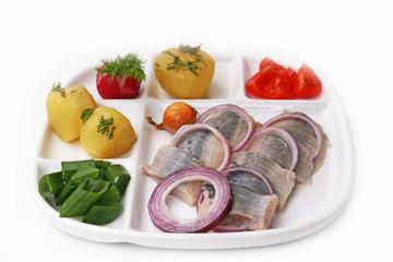 Matjes mit Zwiebel und Kartoffeln