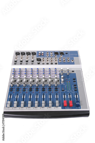18-channel audio mixing console