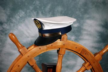 timone e berretto da capitano