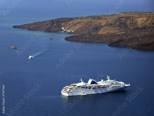 Cruise on Santorini
