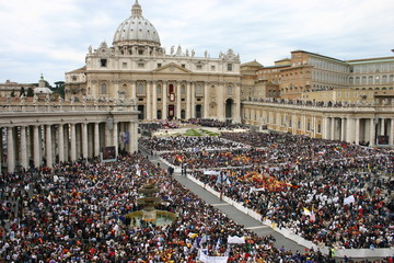 San Pietro e fedeli