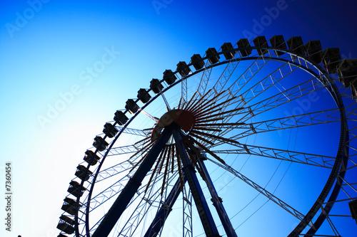 Riesenrad dunkelblau