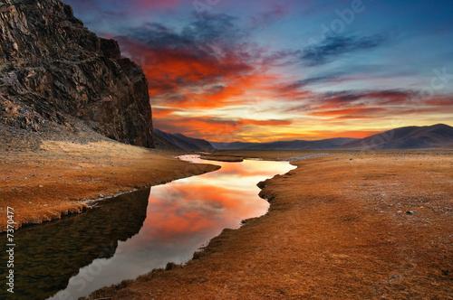 Leinwanddruck Bild Daybreak in mongolian desert