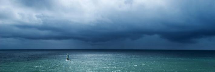 bateau mer océan naviguer voilier marin course orage bretagne