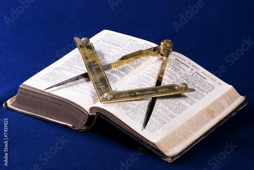 Leinwandbild Motiv Square Compass Bible
