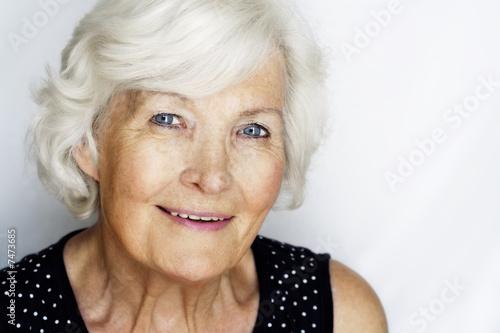 Charmante ältere Frau Poster