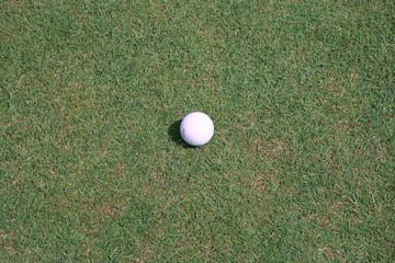 uma bola de golf