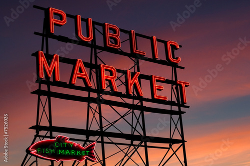 Foto op Aluminium Vis Pike Place Market neon sign at sunset, Seattle, Washington
