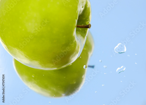 apple water drops