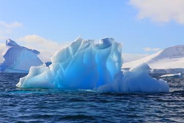 Träume aus Eis und Azurblau