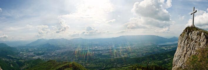 La croix du Nivolet en Savoie