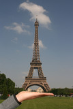 "Serving the ""Tour Eiffel"""