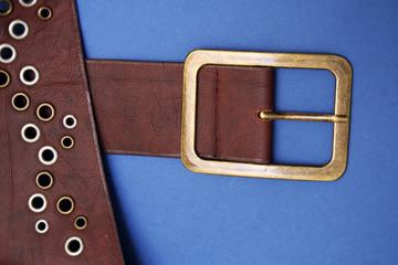 hebilla de cinturon con remaches