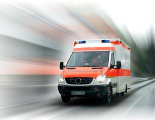 Krankenwagen ist unterwegs