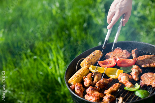 Grilling at summer weekend - 7833425