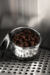 Coffee filter group head with fresh coffee beans