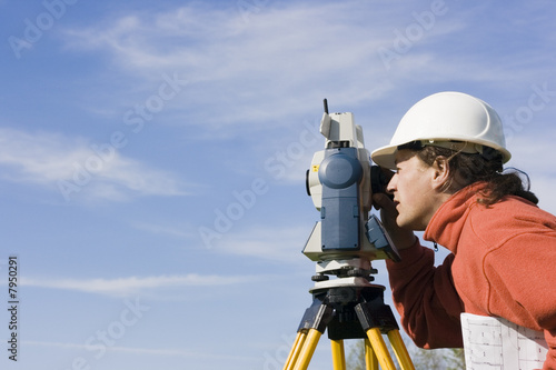 Measuring with theodolite - 7950291