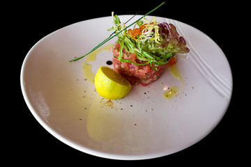 tuna tar-tar with trout caviar