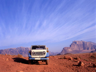 4 wheel drive in Wadi Rum desert in Jordan