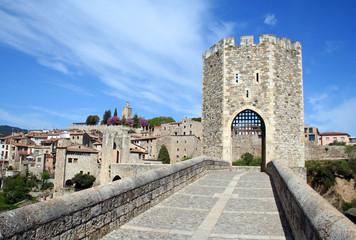 Puente Medieval de Besalú - Girona