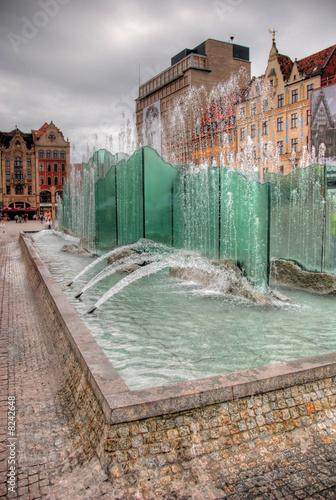 Leinwanddruck Bild Fountain in the Square in Wroclaw, Poland