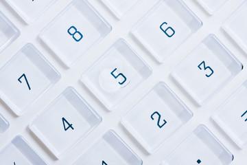 Weißer Taschenrechner