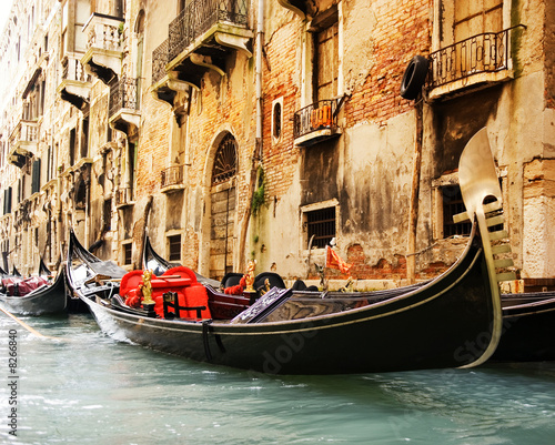 Papiers peints Gondoles Traditional Venice gandola ride
