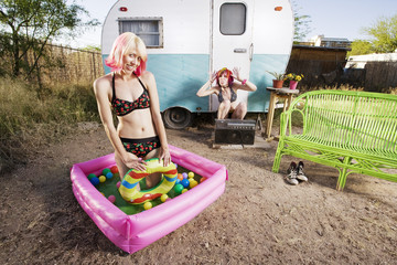 Trailer Girls