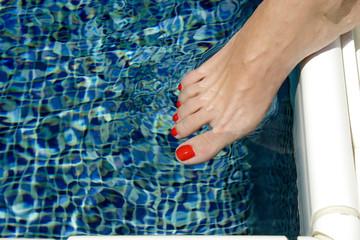 piede in acqua