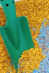 Mineraldünger - mineral fertilizer 13