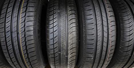 quatre pneus
