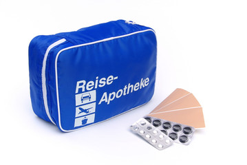 Reiseapotheke - first aid travel kit 04