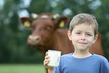 Fototapety drinking milk