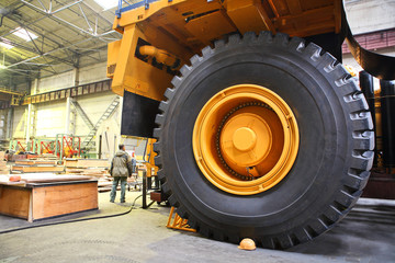 Huge industrial truck - Giant size wheels and tires
