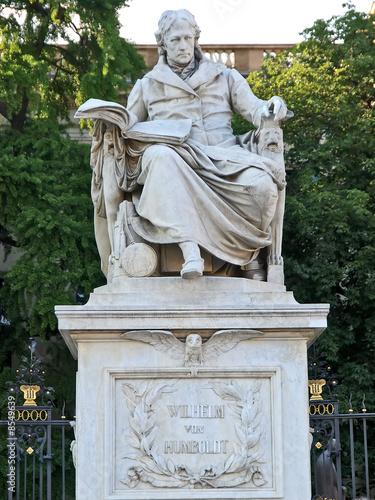statue, wilhelm von humboldt, berlin