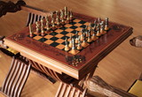 Elegant chess set