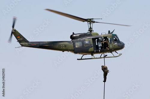 Foto op Canvas Helicopter Bell UH
